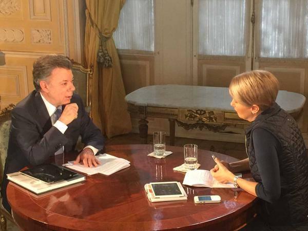 En entrevista con Claudia Gurisatti, directora de Noticias RCN, el presidente Juan Manuel Santos 2