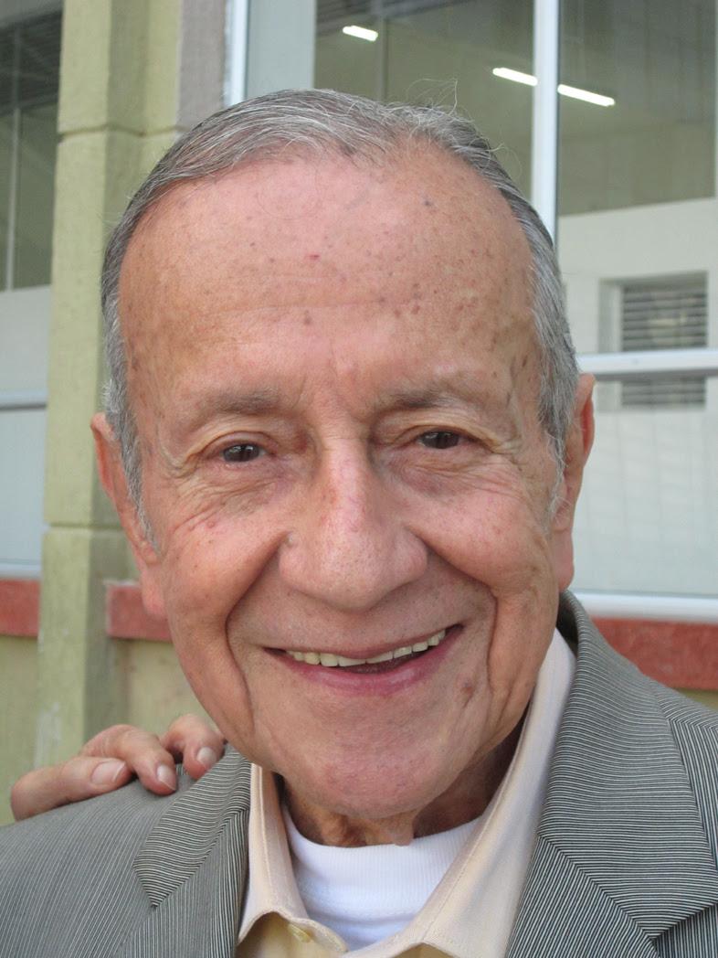 """A este manizaleño que emigró a Bogotá en busca de mejores horizontes, le ha ido muy bien en la vida y prueba de ello es su """"juventud"""" a los 89 años de edad"""