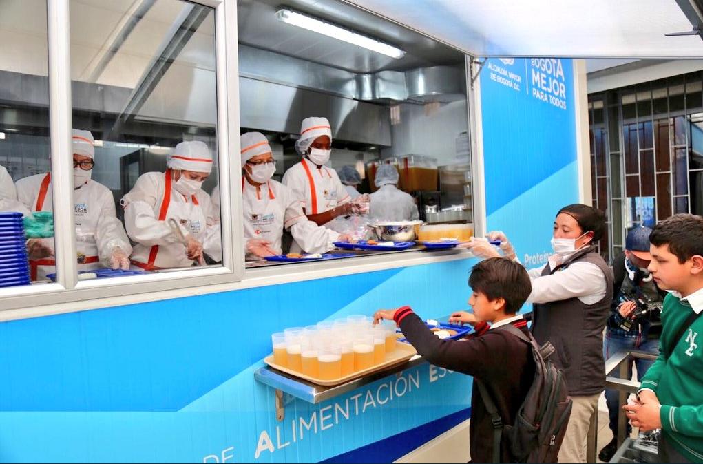 Cinco colegios distritales estrenaron comedores gratuitos for Comedores escolares en colombia