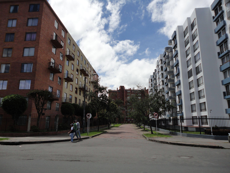 Subieron de estrato 90 manzanas en bogot reporteros for Barrio ciudad jardin bogota