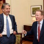 Kevin Whitaker embajador de Usa en Colombia y el exembajador William Brownfield