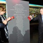 El Presidente Juan Manuel Santos, la Presidente de la Cámara de Comercio de Bogotá, Mónica de Greiff y el Presidente de Corferias, Andrés López, inauguran el Centro de Eventos y Convenciones Ágora.