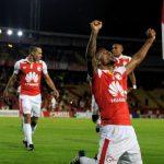 Santa Fe golea y clasifica a fase de grupos en Copa Libertadores.
