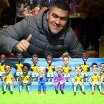 Una foto con la selección Colombia de plastilina
