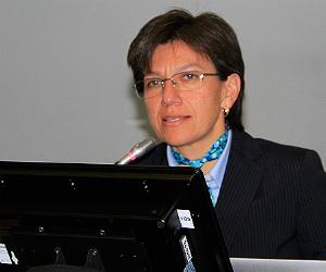 Claudia-Lopez26