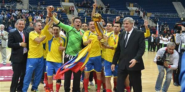 Jugadores de la Selección Colombia de fútbol de salón celebran el título obtenido en el Mundial de Bielorrusia.Foto: @fecolfutsal
