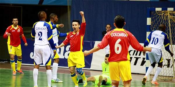 Los jugadores de la Selección Colombia celebran la victoria.