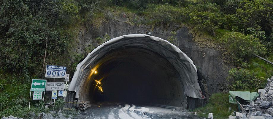 Boca del Túnel principal de la Línea, entre Cajamarca y Calarcá, cuyas obras fueron inspeccionadas hoy por el Presidente Santos