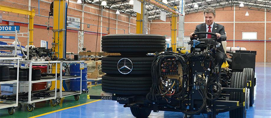 Inversión en planta de Daimler en Colombia, muestra de confianza en el país. Foto: César Carrión - SIG