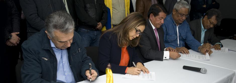 MinEducación y Fecode firman acuerdo para que los niños regresen a clases