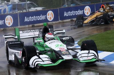 Muñoz ganó bajo la lluvia