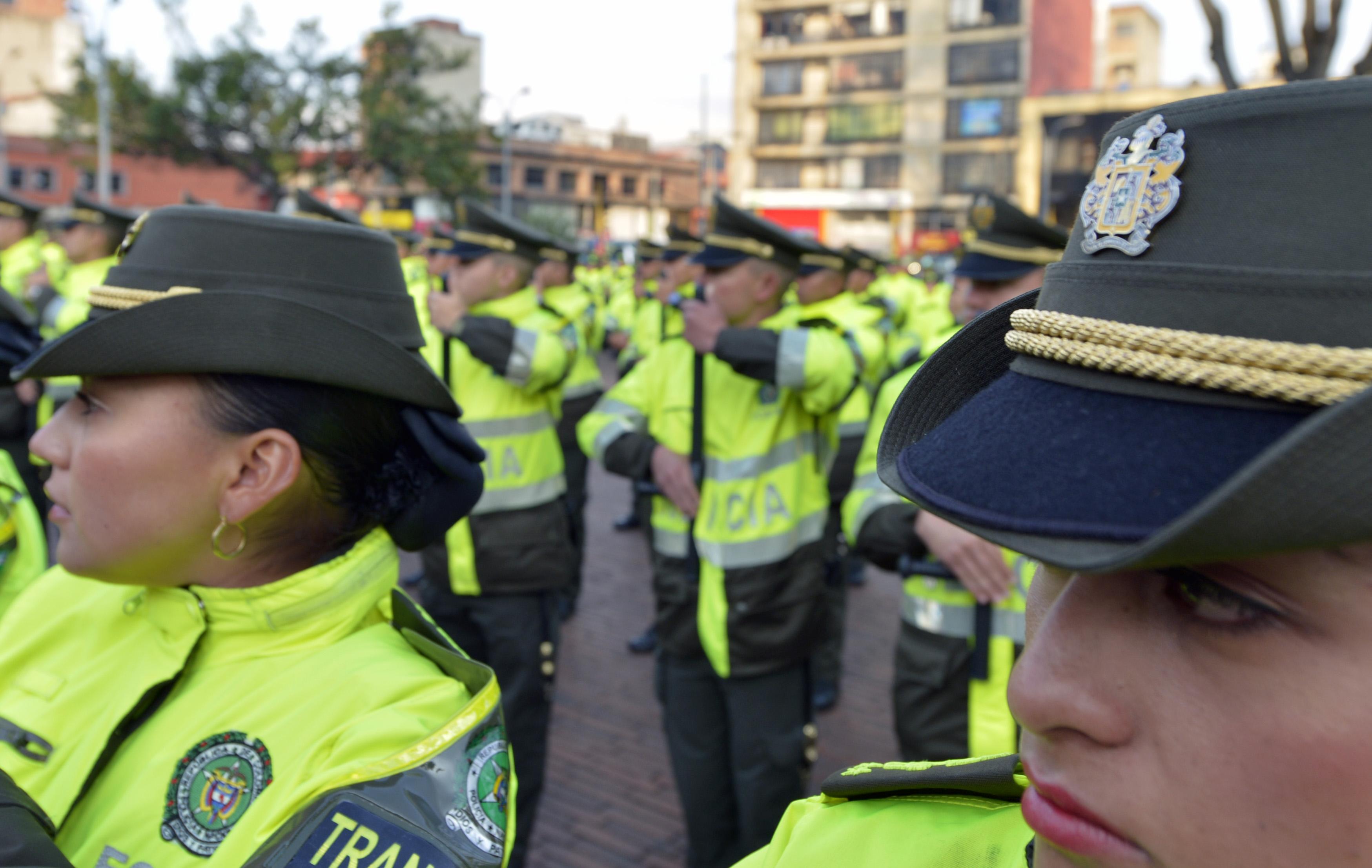 Policía Transmilenio 05