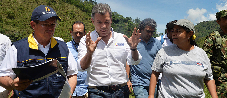 Presidente Santos dirige la atención de la emergencia en Salgar, Antioquia
