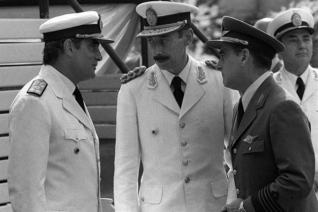 Videla junto a Massera y Agosti, en una imagen de marzo de 1976  Foto: Archivo