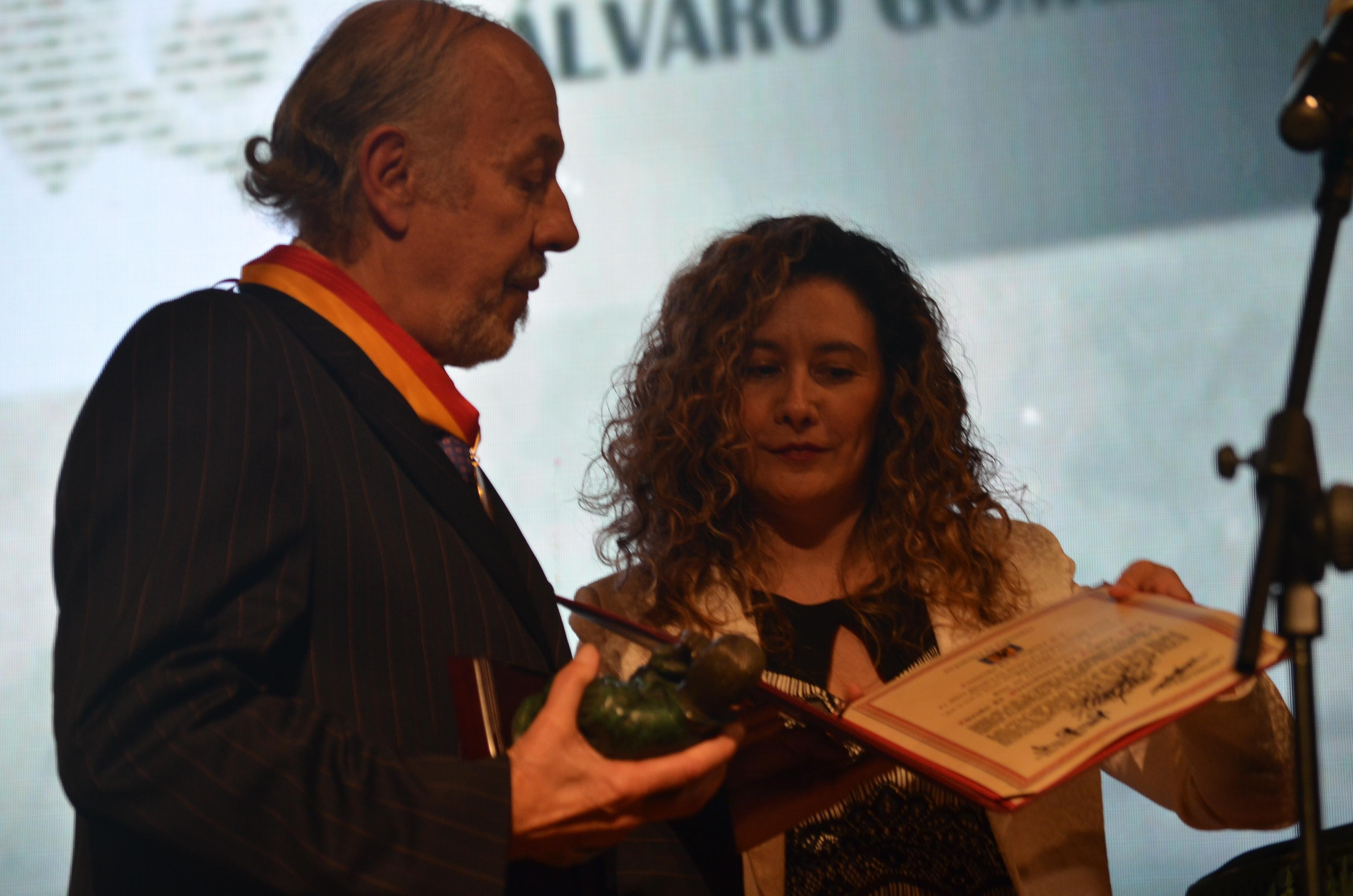 premio Álvaro Gómez Hurtado5 - copia