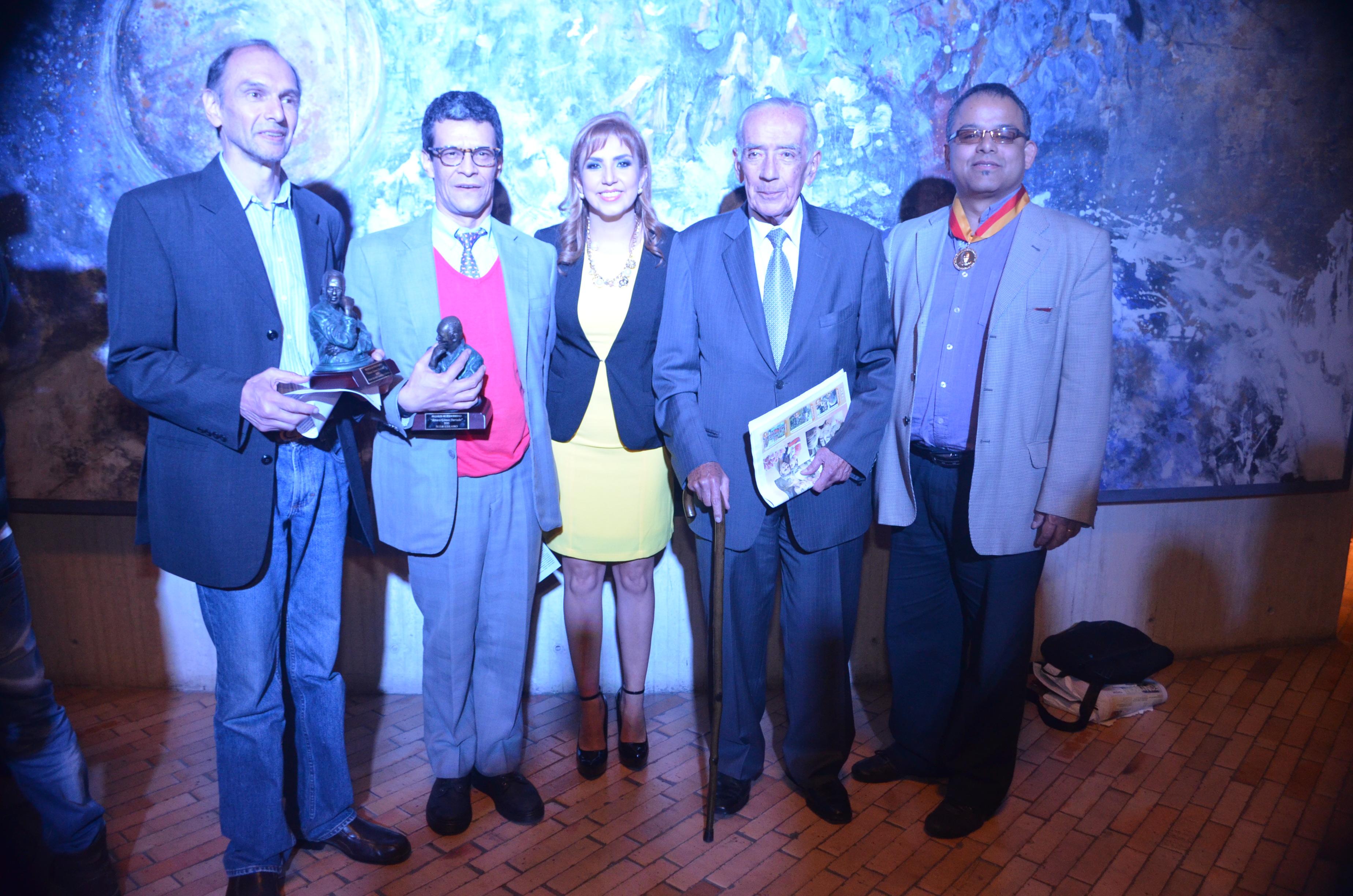 premio Álvaro Gómez Hurtado9
