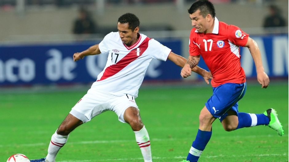 Carlos Lobatón es el que maneja al grupo en Perú.