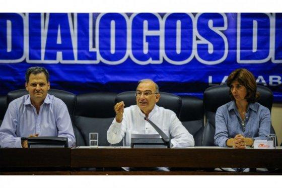 Comisionado de paz, Humberto de la Calle y Canciller