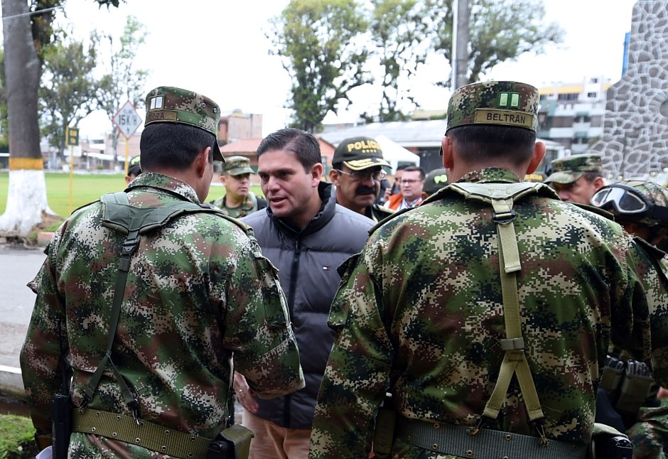 El ministro de Defensa, Juan Carlos Pinzón, presidió en Ipiales (Nariño) un consejo de seguridad 3