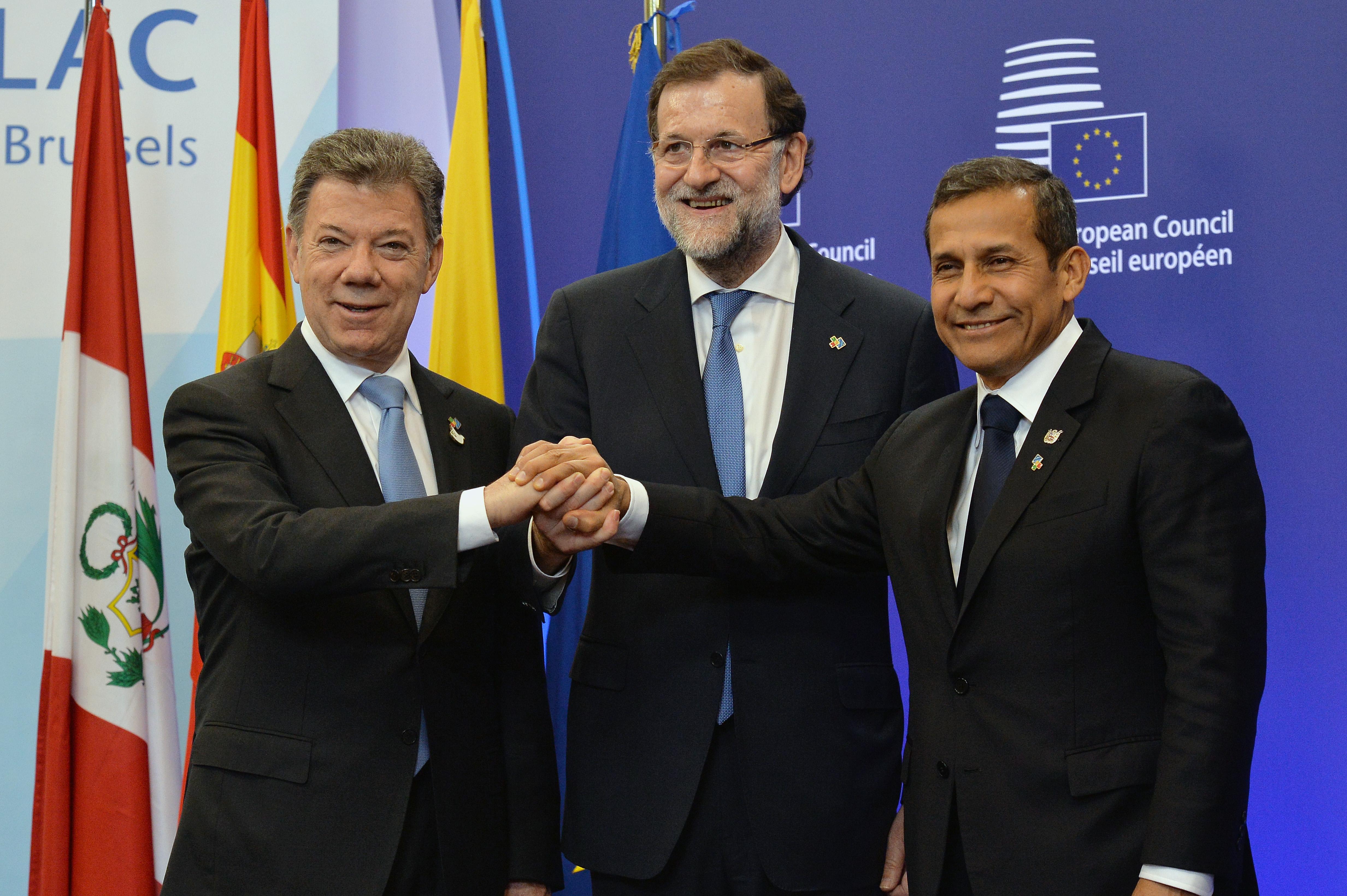 Presidentes de Colombia, España y Perú durante la firma del acuerdo para la eliminación de la visa Schengen