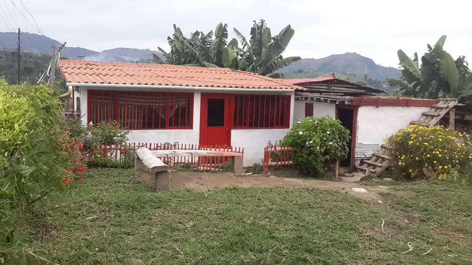 Vivienda rural en la vereda Cardalito Neira.