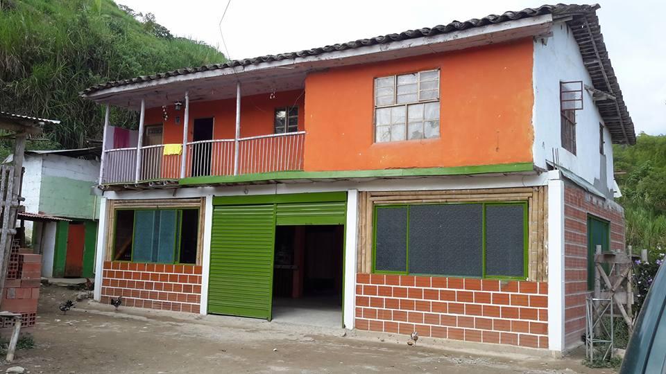 Vivienda rural en la vereda de Trocaderos(Neira).