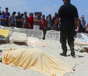 cuerpo-turista-yace-suelo-playa-cerca-ciudad-susa-tunez-1435335224855