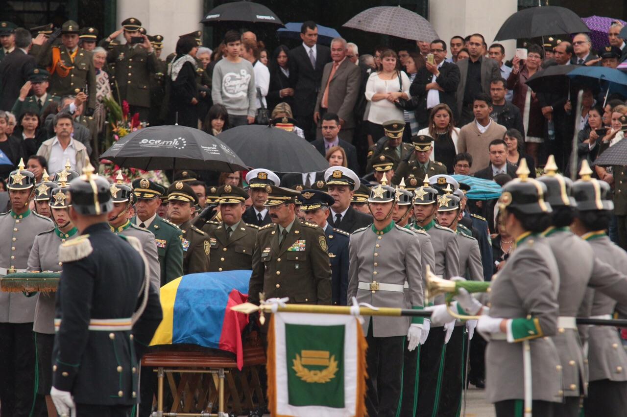 honras fúnebres del coronel Alfredo Ruíz2 - copia