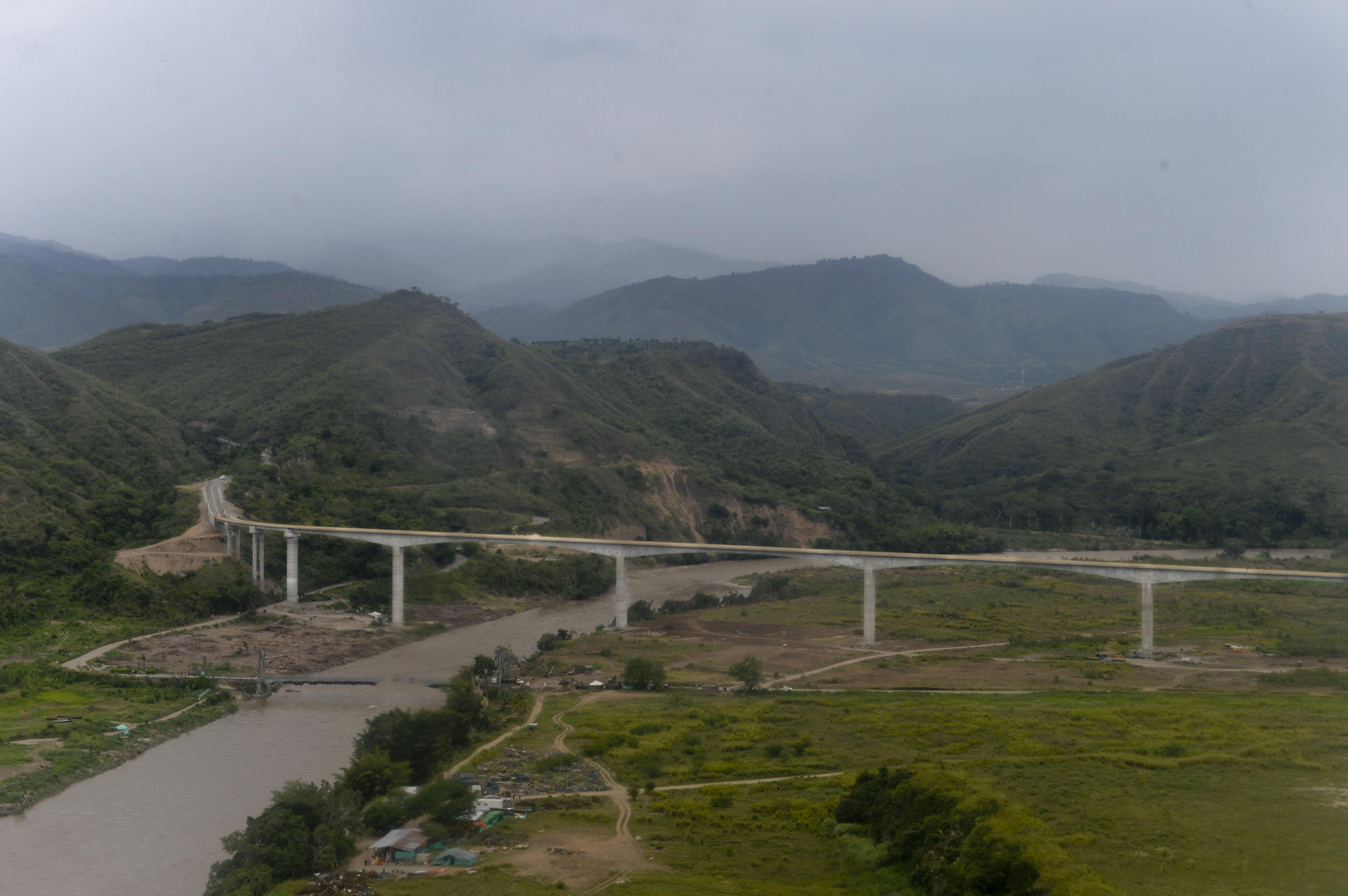 viaducto de Balseadero, el más grande del país,