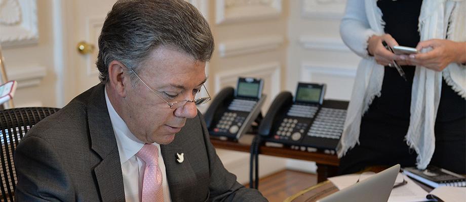 """""""Ya estamos trabajando en gestos de paz como el plan de desminado"""", recordó el Presidente a los colombianos"""