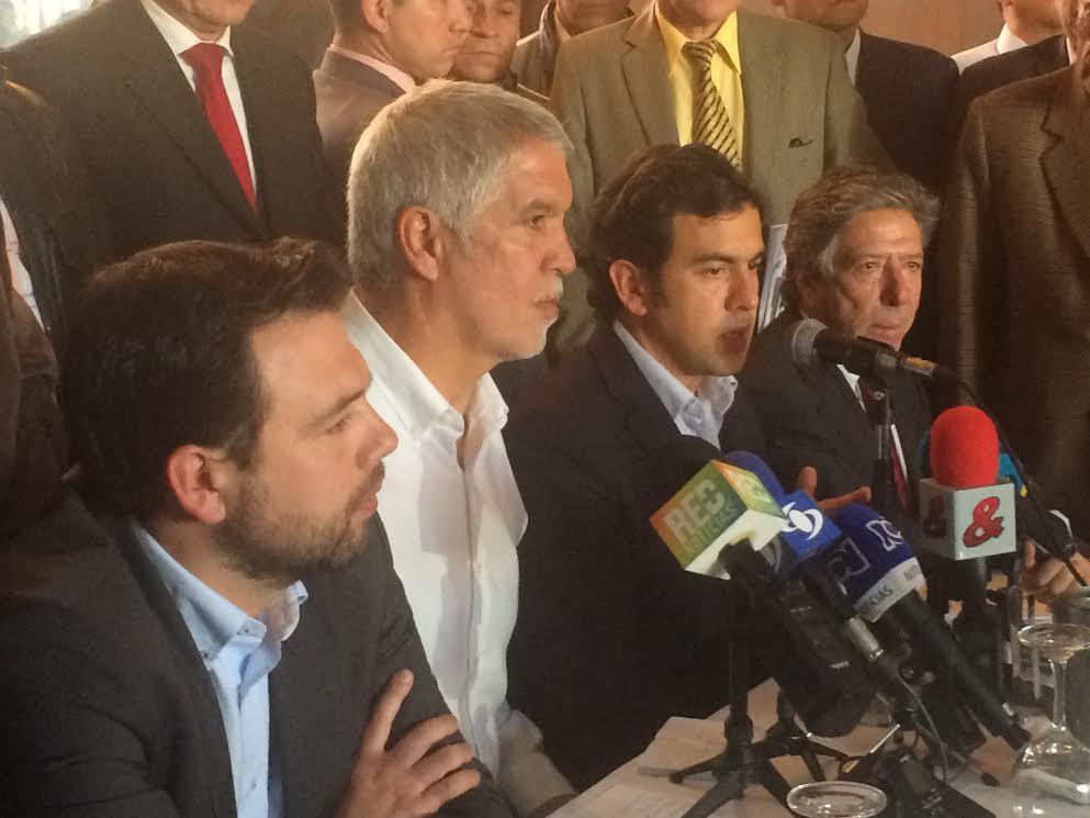 """""""Bogotá necesita un cambio radical y usted Doctor Peñalosa representa ese cambio radical"""": Rodrigo Lara"""