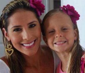 Carolina Soto  y su sobrina