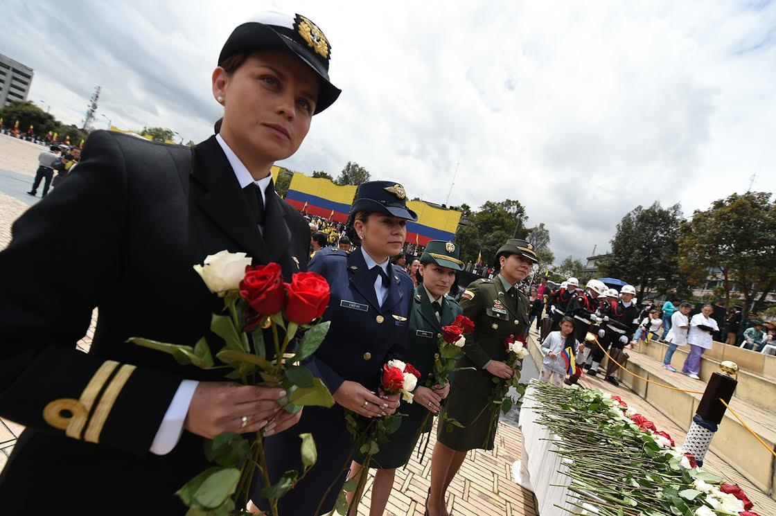 Ceremonia del dia de los héroes y sus familias3
