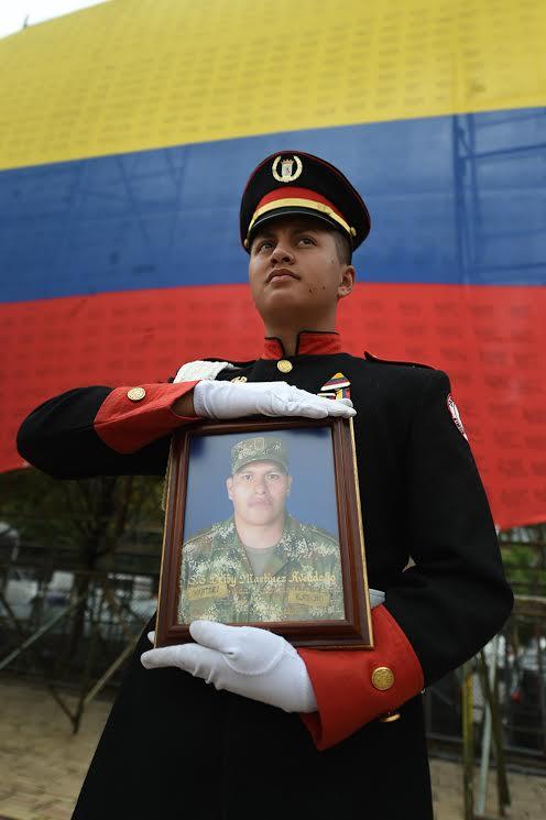 Ceremonia del dia de los héroes y sus familias7