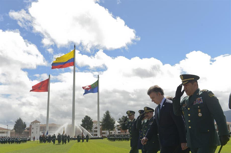 Durante el acto de transmisión de mando a los nuevos Comandantes del Ejército