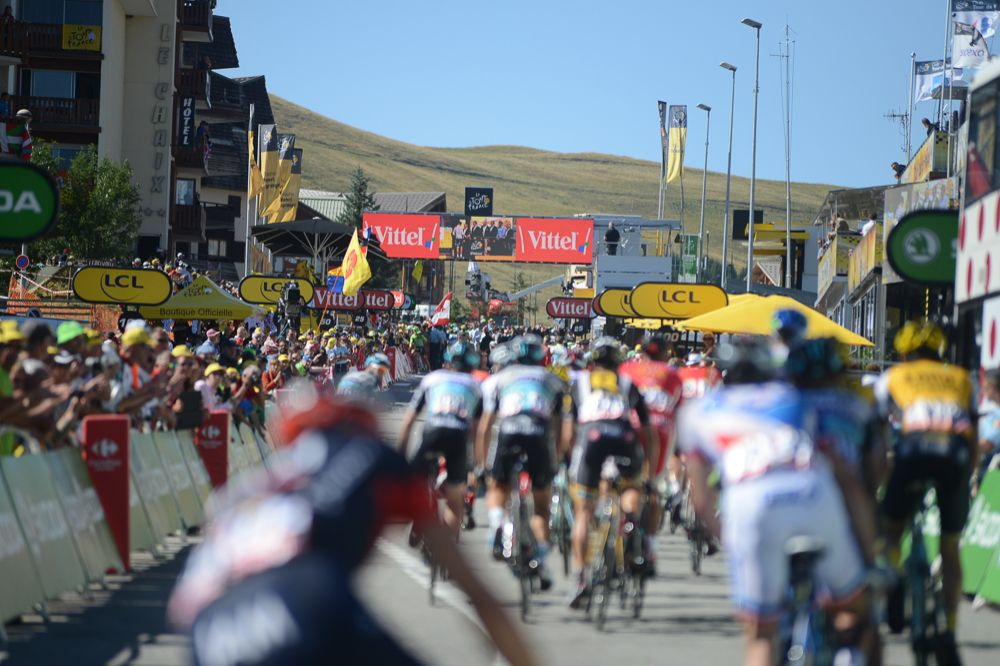 Tour de France 2015 - 25/07/2015 - 20ème Etape - Modane / l'Alpe d'Huez - 110,5km - Le grupetto à l'arrivée