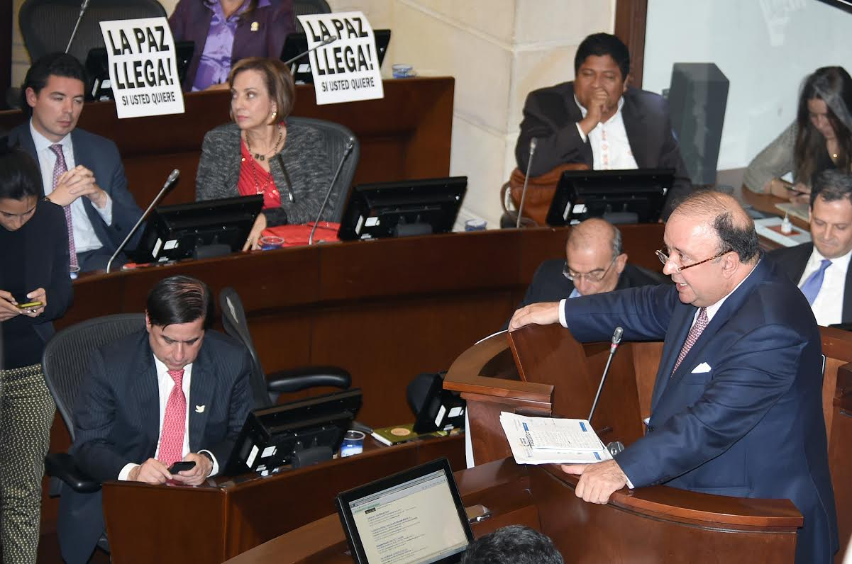 Intervención Indefensa Luís Carlos Villegas en Plenaria del senado4