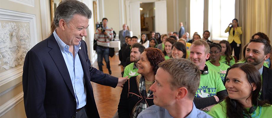Su labor es muy importante, les dijo el Presidente a profesores extranjeros que enseñarán inglés en Colombia