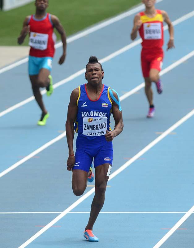 Cali, Colombia 15 07 2015. Mundial de atletismo de menores. Estadio Pascual Guerrero, Cali. Prueba 400 metros Atleta: Anthony Zambrano de Colombia