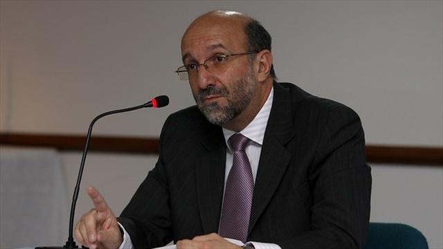 Rector de la Universidad Pedagógica Nacional, Adolfo Atehortúa