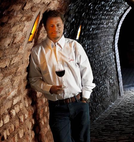 Carlos Concha, uno de los más acreditados enólogos y conocedores de vino, que vino de Chile. Foto: La Pluma & La Herida