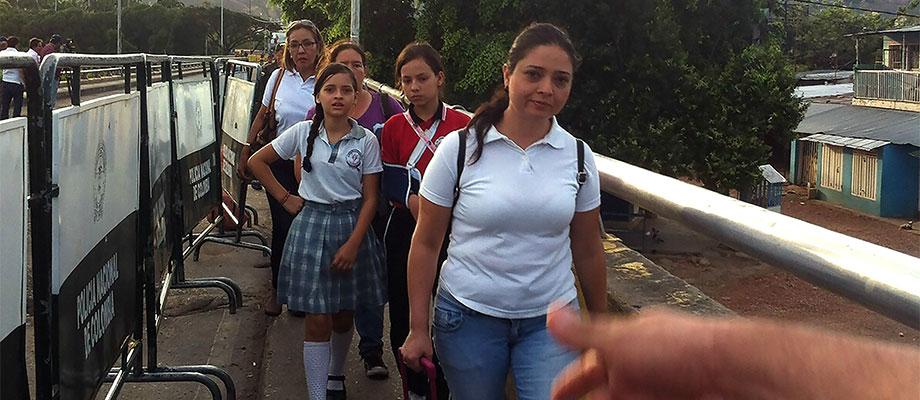 Ministerio de Educación está al frente del corredor humanitario para que estudiantes que viven en Venezuela y estudian en Colombia vuelvan a las aulas en Cúcuta y Villa del Rosario
