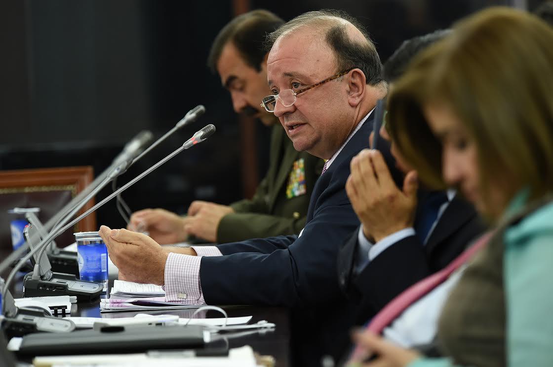 Ministro de Defensa  en  debate de control político sobre seguridad en la Comisión Primera3