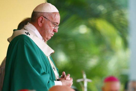 Papa pde a que no fracasen negociaciones de la Habana
