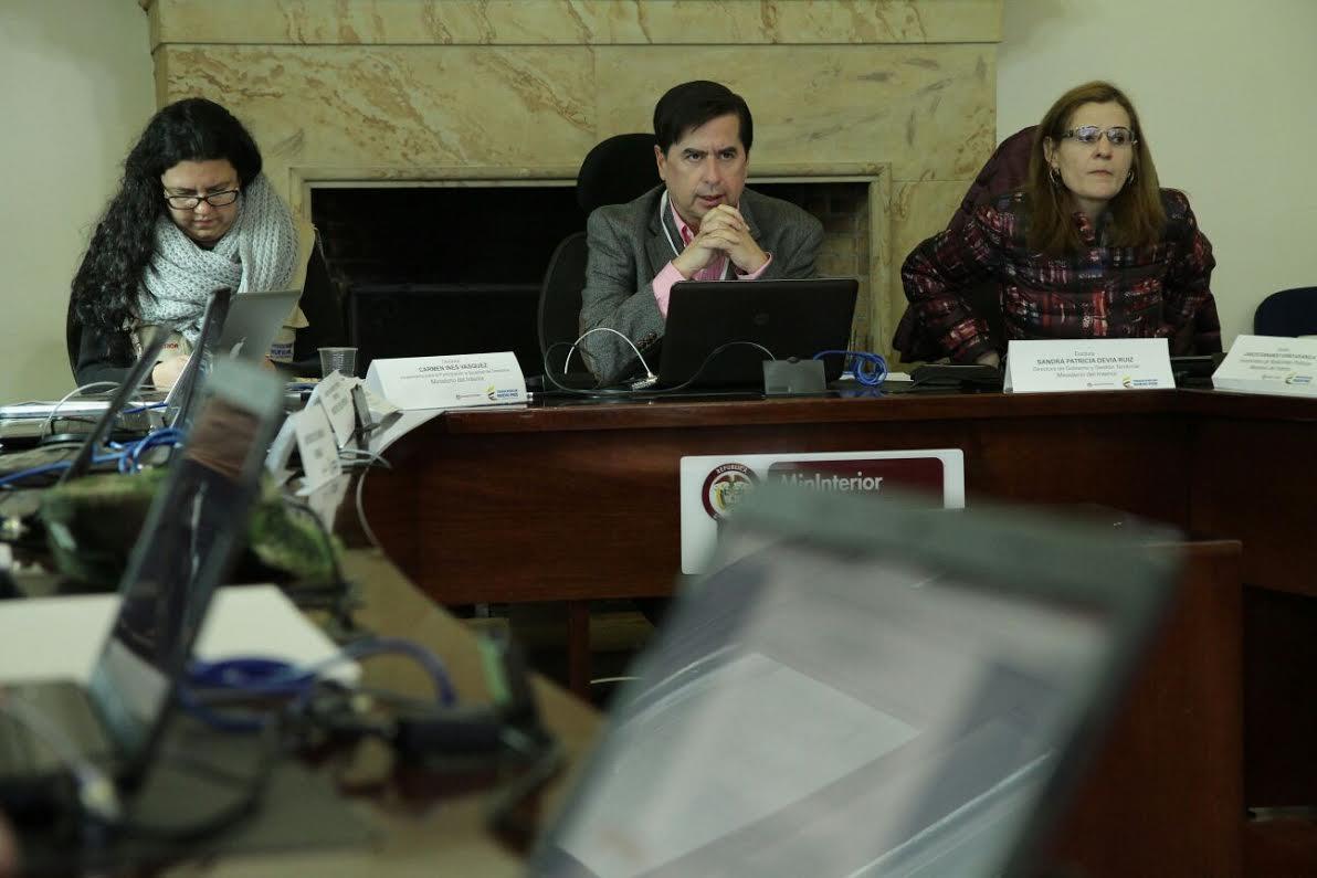El ministro Juan Fernando Cristo hace presencia en el  Puesto de Mando Unificado, PMU,