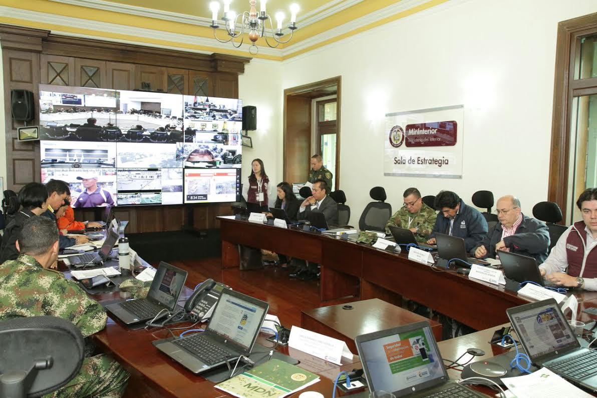 El ministro Juan Fernando Cristo hace presencia en el  Puesto de Mando Unificado, PMU,3