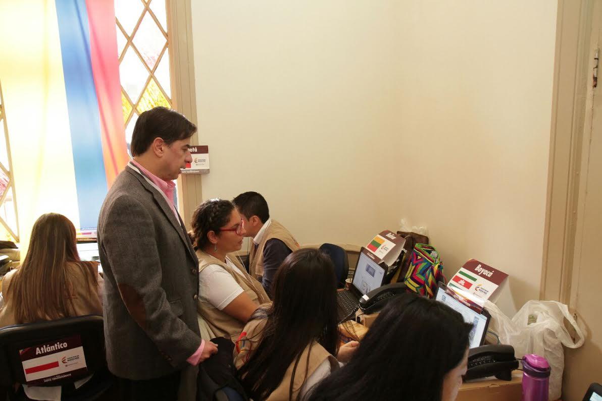 El ministro Juan Fernando Cristo hace presencia en el  Puesto de Mando Unificado, PMU,7