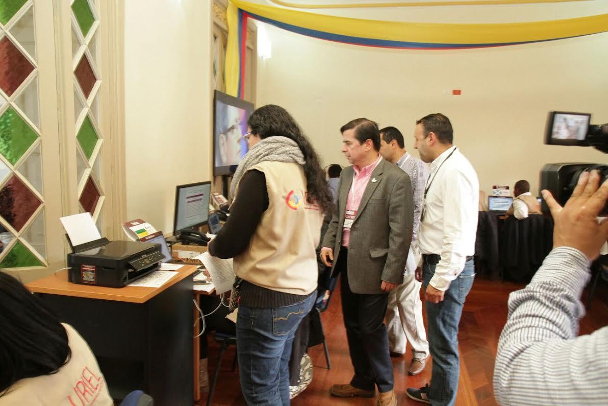 El ministro Juan Fernando Cristo hace presencia en el  Puesto de Mando Unificado, PMU,9
