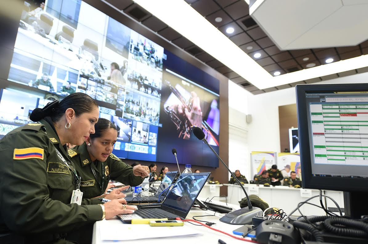 sala estrategia de la Policía Nacional el ministro de defensa Luis Carlos Villegas 3