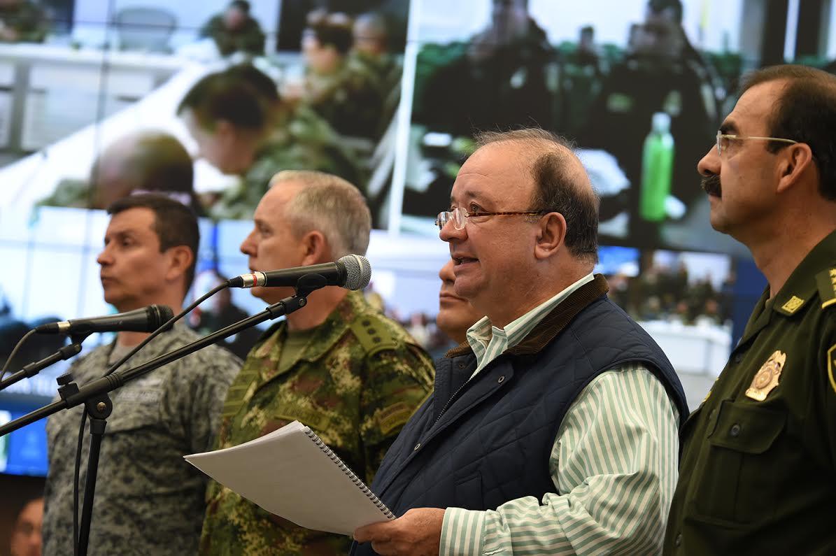 sala estrategia de la Policía Nacional el ministro de defensa Luis Carlos Villegas 5